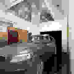 Concessionnaires automobiles modernes par Gurooji Designs Moderne