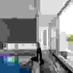 F.Lot House Piscinas minimalistas por Studio Toggle Porto, Lda Minimalista