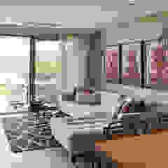 Modern living room by Esra Kazmirci Mimarlik Modern