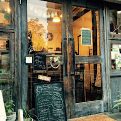 cafe shizuku カントリーなレストラン の 空間設計カラー店舗設計事務所 カントリー 無垢材 多色