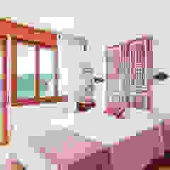 Master bedroom Mediterranean style bedroom by Markham Stagers Mediterranean