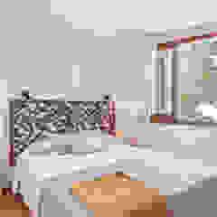 Bedroom Mediterranean style bedroom by Markham Stagers Mediterranean