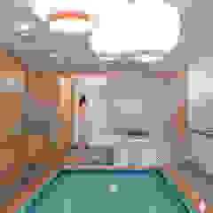 Zona biliardo e cucina PLUS ULTRA studio Cucina minimalista
