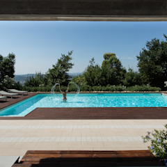 Vista dalla dependance PLUS ULTRA studio Piscina in stile mediterraneo