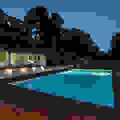 PGL | pool with a greenhouse Piscina in stile mediterraneo di PLUS ULTRA studio Mediterraneo