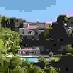PGL | pool with a greenhouse Giardino in stile mediterraneo di PLUS ULTRA studio Mediterraneo