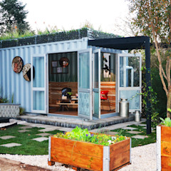 Container Living Industrial style houses by Acton Gardens Industrial Metal