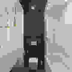 Флер Ванная комната в стиле минимализм от ДОМ СОЛНЦА Минимализм
