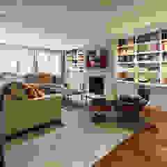 Luxury Kalorama Condo Renovation in Washington DC BOWA - Design Build Experts Minimalist living room