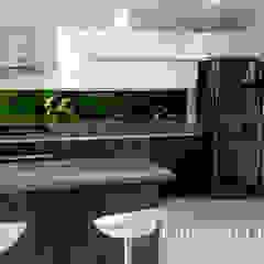 Modern kitchen by Cocinas Integrales Olmedo Ortiz Sierra Modern Wood Wood effect
