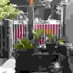 Vườn phong cách chiết trung bởi Vaastu Arsitektur Studio Chiết trung