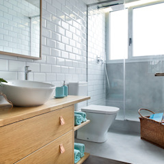 Poblenou in 3 acts Industrial style bathroom by Egue y Seta Industrial