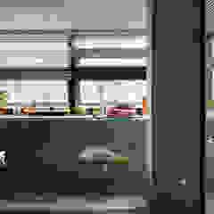 Jardines de estilo minimalista de 磨設計 Minimalista