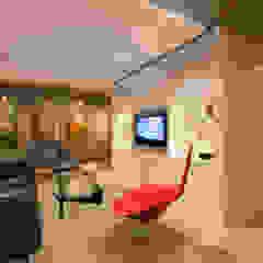 Modern living room by FORMA Design Inc. Modern