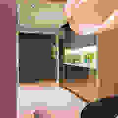Modern kitchen by FORMA Design Inc. Modern