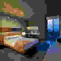 Modern style bedroom by FORMA Design Inc. Modern