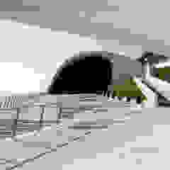 Pavimento NUVOLATO – Auditorium Oscar Niemeyer Salones de eventos de estilo moderno de Fermox Solutions Moderno Hormigón