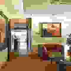 Passage by Studio - Architect Rajesh Patel Consultants P. Ltd Modern