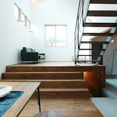 Industrial style corridor, hallway and stairs by オレンジハウス Industrial