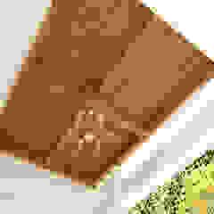 Rumah Bergaya Etnik yang Dikemas Lebih Modern Oleh AIRE INTERIOR Tropis Kayu Wood effect