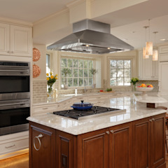 """""""Cook's Kitchen"""" Renovation in Potomac, Maryland BOWA - Design Build Experts 廚房"""