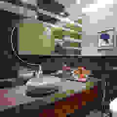 Baños de estilo moderno de USINE STUDIO Moderno