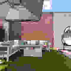 Apartament Bursztynowy Rustykalny balkon, taras i weranda od Viva Design - projektowanie wnętrz Rustykalny Ceramiczny