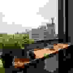 Scandinavian style balcony, veranda & terrace by 一穰設計_EO design studio Scandinavian