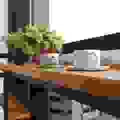 Scandinavische balkons, veranda's en terrassen van 一穰設計_EO design studio Scandinavisch