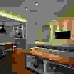 Residência Montedonio Salas de estar minimalistas por Mazzark Arquitetos Minimalista