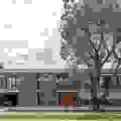 Casa HK de Ciudad y Arquitectura Minimalista Hormigón
