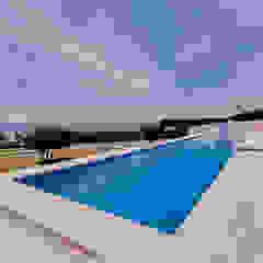 Luxuosa Villa S. Pedro Estoril / Lisboa - Luxury Villa S. Pedro Estoril / Lisbon Piscinas rústicas por Ivo Santos Multimédia Rústico