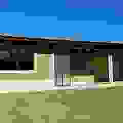 RESIDENCIAL FAMILIAR QUATIS/RJ por Richard Lima Arquitetura Tropical Tijolo