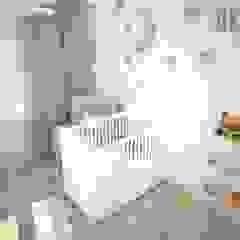 OES architekci Modern nursery/kids room Wood White
