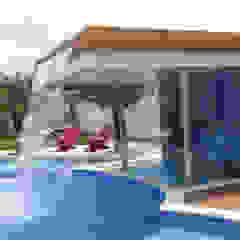 PISCINA CASA LA ENCANTADA Spa de estilo minimalista de ION arquitectura SAS Minimalista