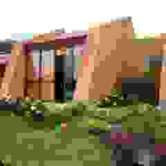 by CUNA ARQUITECTURA INGENIERÍA SOSTENIBLE Rustic Sandstone