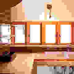 琵琶湖の家 カントリーデザインの キッチン の URBAN GEAR カントリー 無垢材 多色