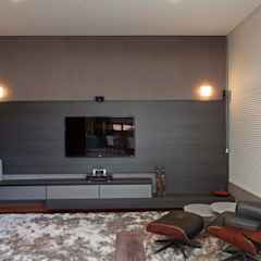 CASA TARUMÃ Salas multimídia minimalistas por Duducirvidiu Arquitetura Minimalista