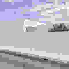 Garagens e arrecadações minimalistas por Grupo Norma Minimalista
