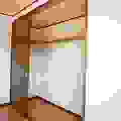マルモコハウス Ruang Ganti Modern