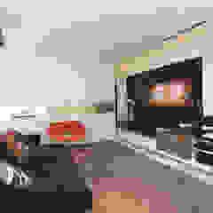 Modern Media Room by Danielle Valente Arquitetura e Interiores Modern