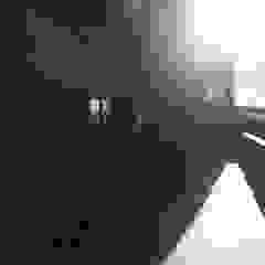 Kunst Architecture & Interiors Balcone, Veranda & Terrazza in stile moderno Laterizio Marrone