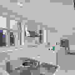 Park Avenue Duplex andretchelistcheffarchitects Modern kitchen