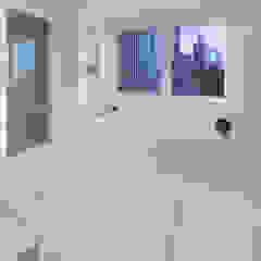 Park Avenue Duplex andretchelistcheffarchitects Modern bathroom