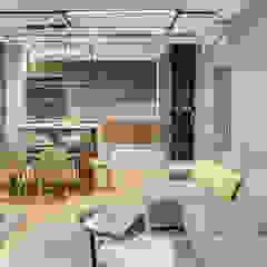 Лофт и контемпорари в дизайне интерьера квартиры Гостиная в стиле лофт от Artichok Design Лофт