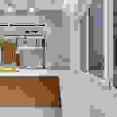 Дизайн кухни небольшого размера в стиле loft и contemporary Кухня в стиле лофт от Artichok Design Лофт
