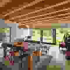 Salle à manger moderne par Rusticasa Moderne Bois Effet bois