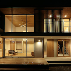 Eclectic style houses by TEKTON   テクトン建築設計事務所 Eclectic