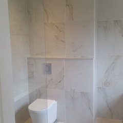 Baños de estilo moderno de BHD Interiors Moderno