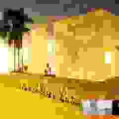 CATAGUA HOUSE por VITOR FERNANDO Architecture Tropical Arenito
